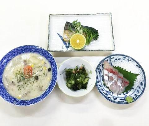 ☆日替わり夕食の献立:クリームシチュー☆(ビジネスホテル レストコーポ西浜)