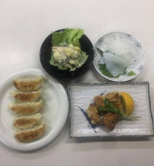 ☆日替わり夕食の献立:河豚の唐揚げ☆(ビジネスホテル レストコーポ西浜)